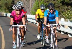 Велосипедисты на шоссейном велосипеде