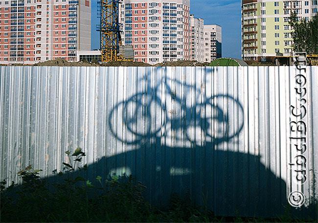 Тень велосипеда. Цветной вариант сюжета