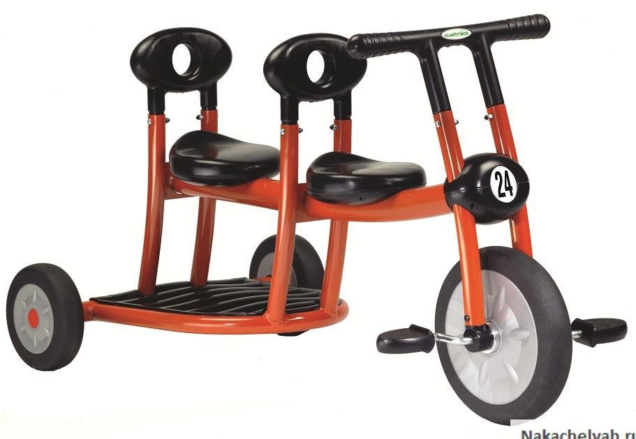 велосипед для погодков и двойни Tricycle Italtrike