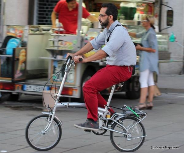 креативные велосипеды, фото людей на креативных велосипедах, необычные велосипеды на улицах Европы