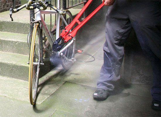 велосипед и болторез