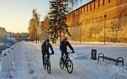 по городу на велосипеде зимой
