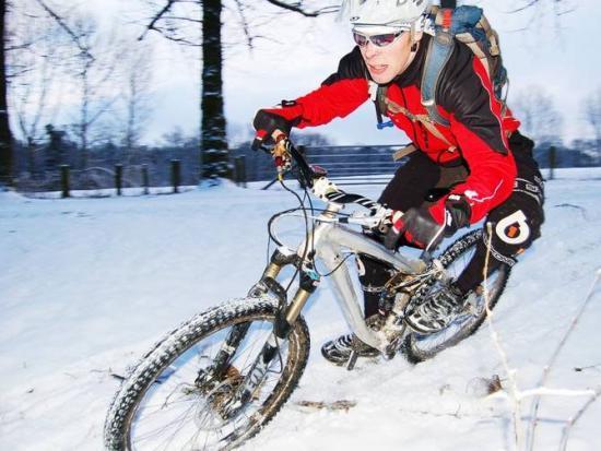 прохождение поворота зимой