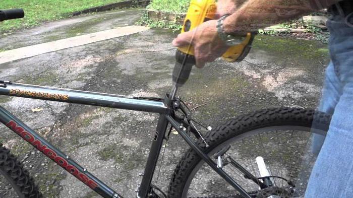 снять педали с каретки велосипеда