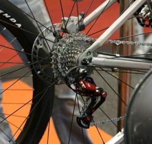 Задний переключатель скоростей на велосипеде