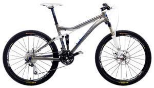 горный велосипед типа двухподвес для кросс-кантри или триала