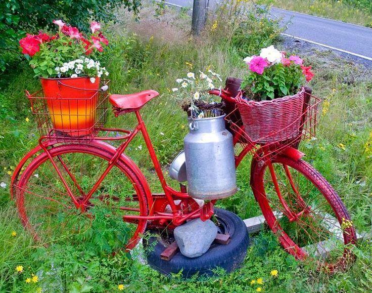 велосипед как декор сада