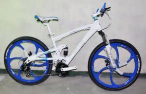 Велосипед на литых дисках BMW X3