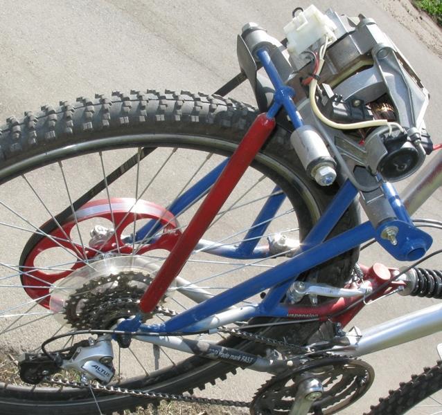 крепим двигатель на велосипеде