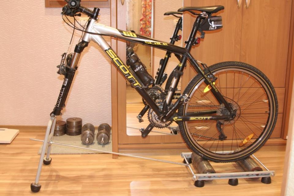 Тренажер из велосипеда своими руками