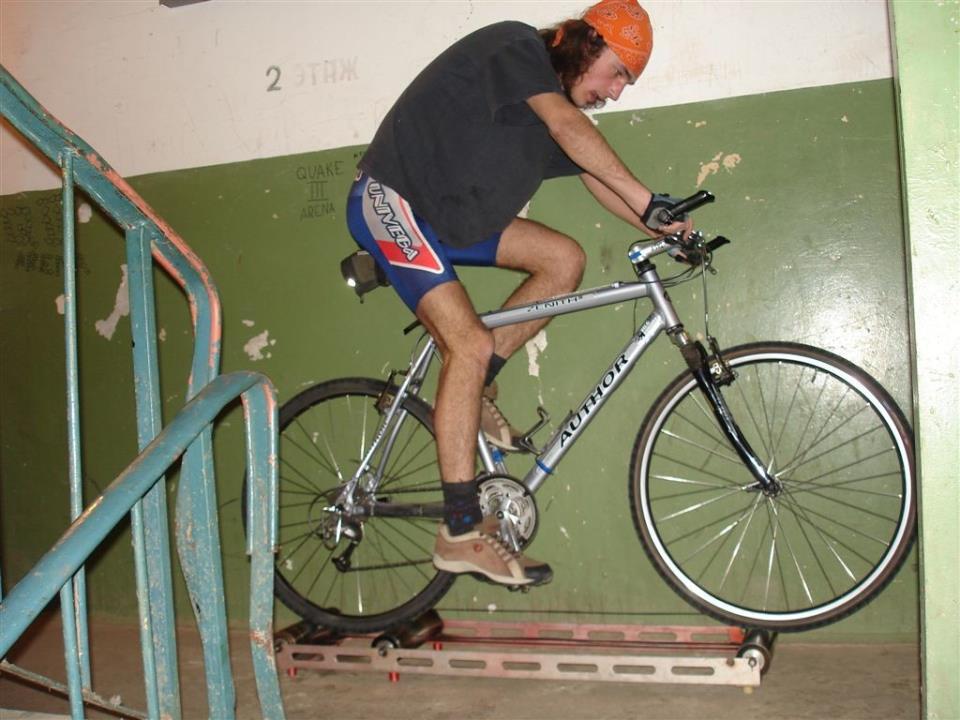 Велотренажер на роликах