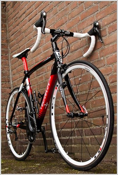 Шоссейный велосипед красивое фото