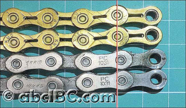 Новая велосипедная цепь (верхняя) и «вытянувшаяся» старая (нижняя)