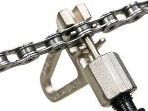 Как снять неразъемную цепь выжимкой