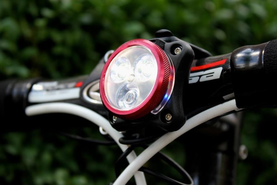 Светодиодный фонарь для велосипеда