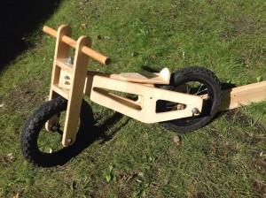 детский велосипед из дерева общий вид на пошагам.рф