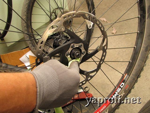 Ротора очищаем обезжиривателем