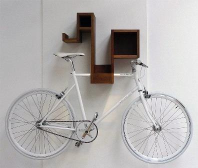 kak-povesit-velosiped-na-stenu1