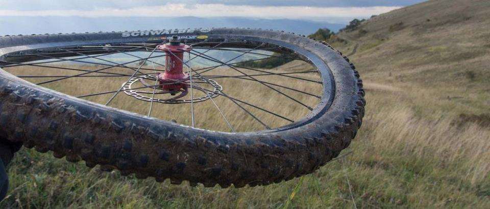 Восьмёрка обода велосипеда