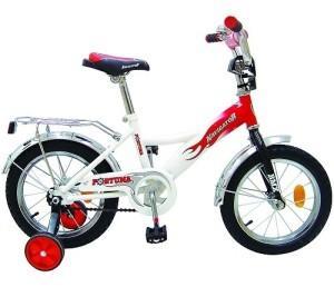двухколесный велосипед с дополнительными колесами для ребенка