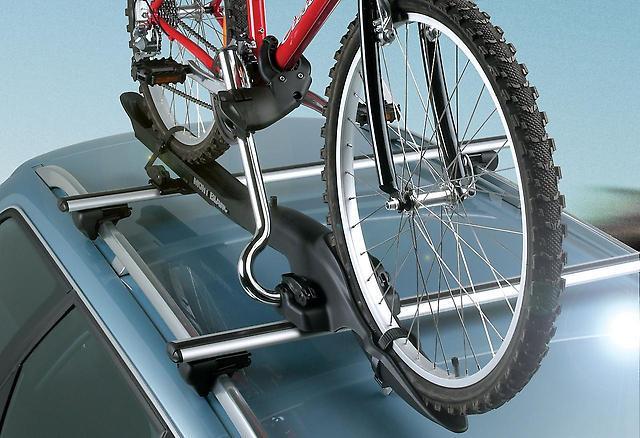Преимущества и недостатки велосипедных багажников на крышу автомобиля