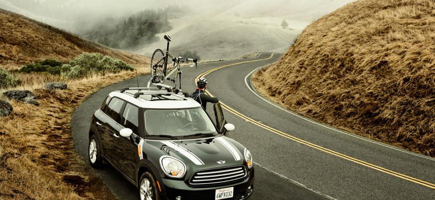 Багажник для велосипедов на крыше автомобиля