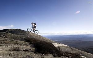 Подъем в гору на велосипеде англия