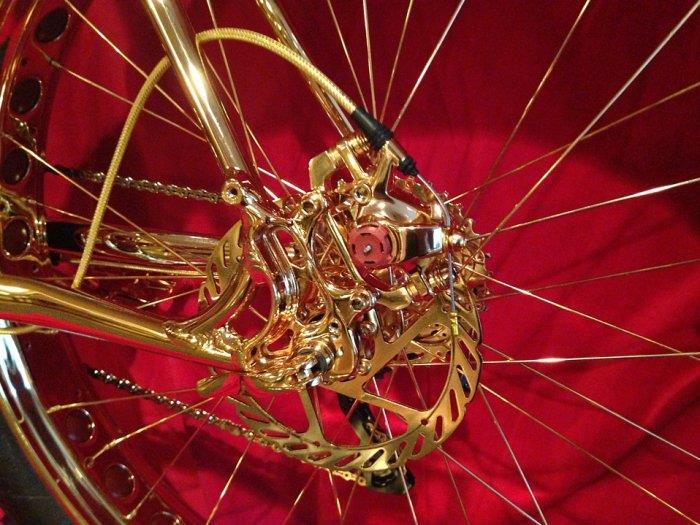 Самый дорогой велосипед в мире стоимостью 1.000.000$ (10)