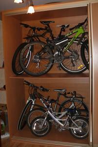 шкаф для хранения велосипеда в квартире