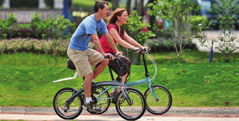 Романтическая прогулка на складных велосипедах