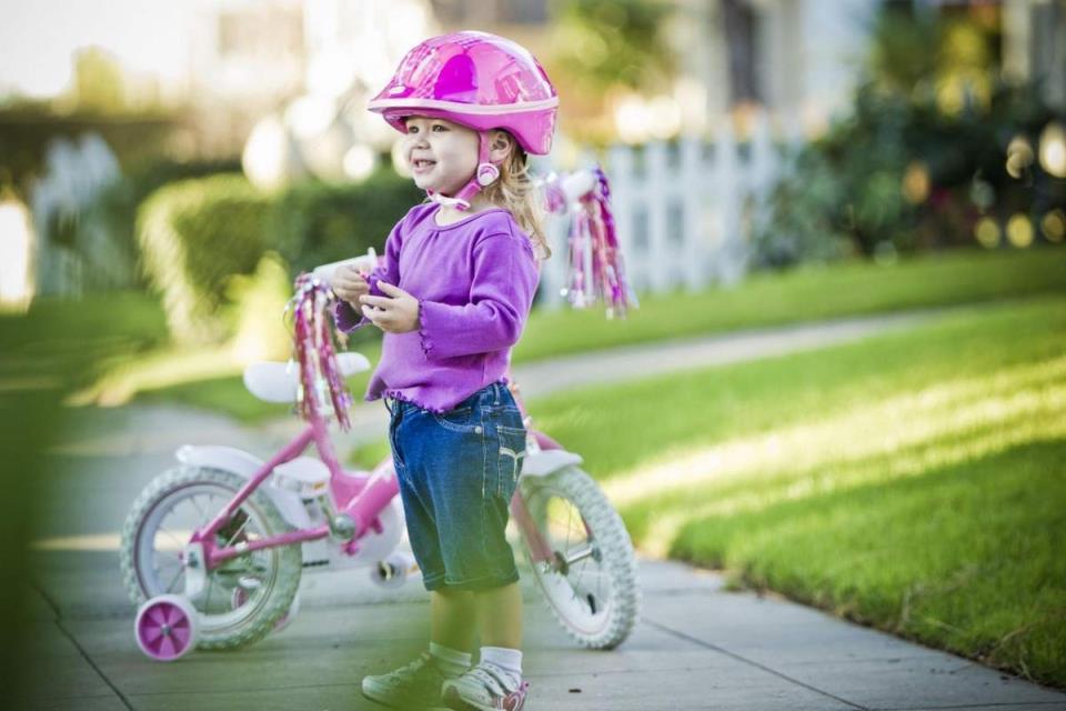 Велосипед - первый транспорт вашего чада.