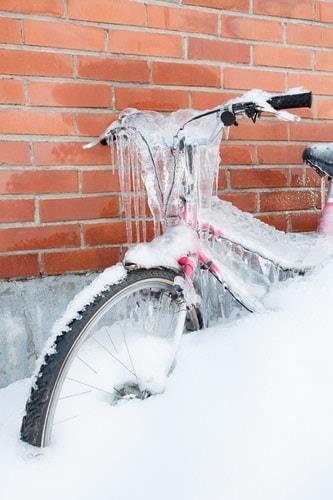 Велосипед в сосульках