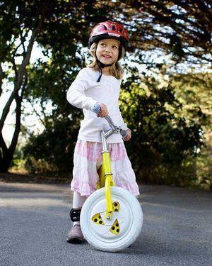 Устойчивое колесо со встроенным гироскопом