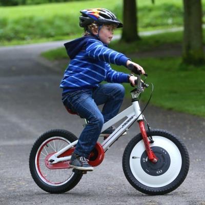 Соблюдаем технику безопасности при обучении езде на велосипеде