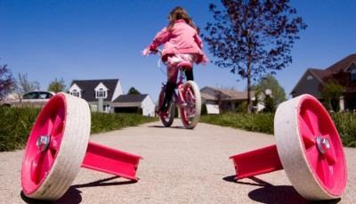 Учим ребенка езде на велосипеде без дополнительных колес