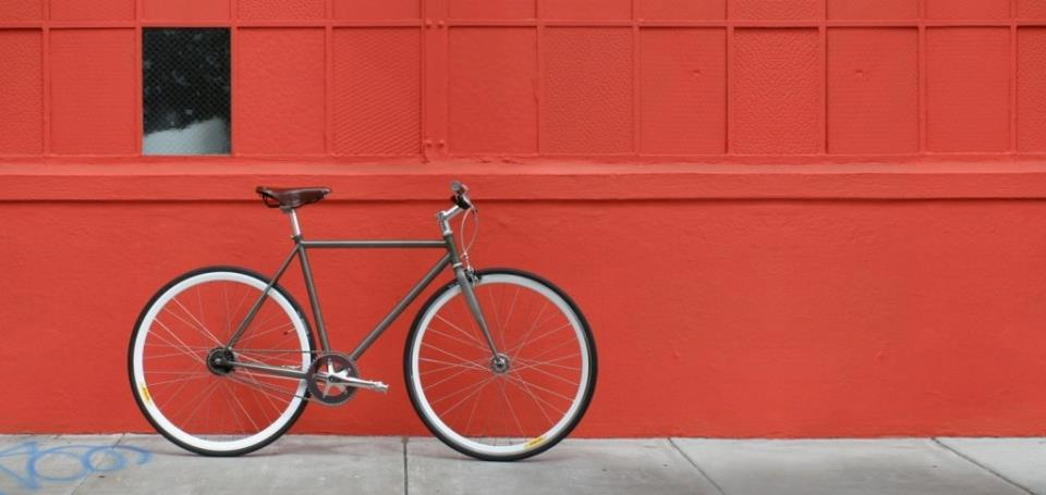 Велосипед-фикс с одной передачей годится для городской езды