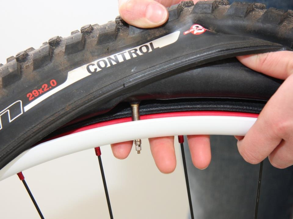 Заклеить шину велосипеда своими руками