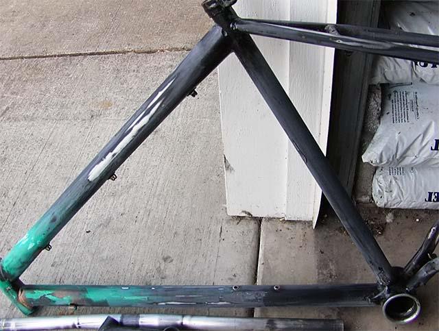 Удаление наклеек с велосипеда