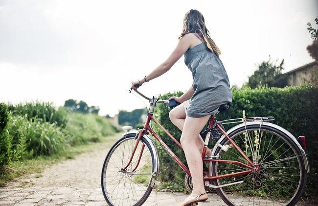 Женщина и велосипед? Ну уж нет!