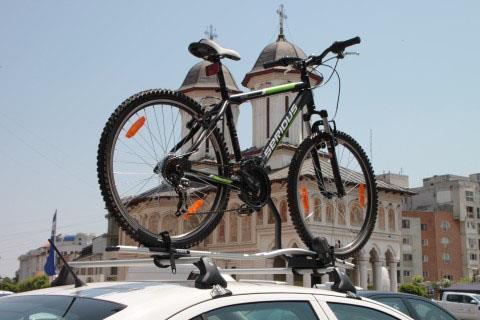 Багажник для велосипеда на автомобиль