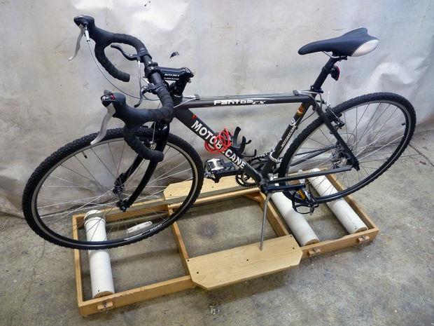 велотренажер из старого велосипеда