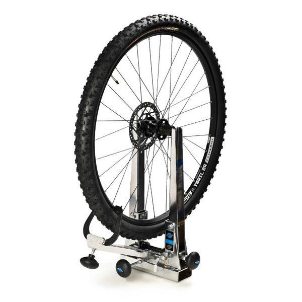 как исправить восьмерку на колесе велосипеда
