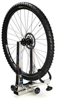 Стенд для выравнивания восьмерок на колесе велосипеда