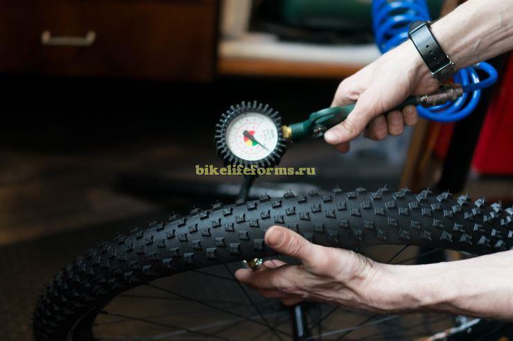Накачка колеса компрессором