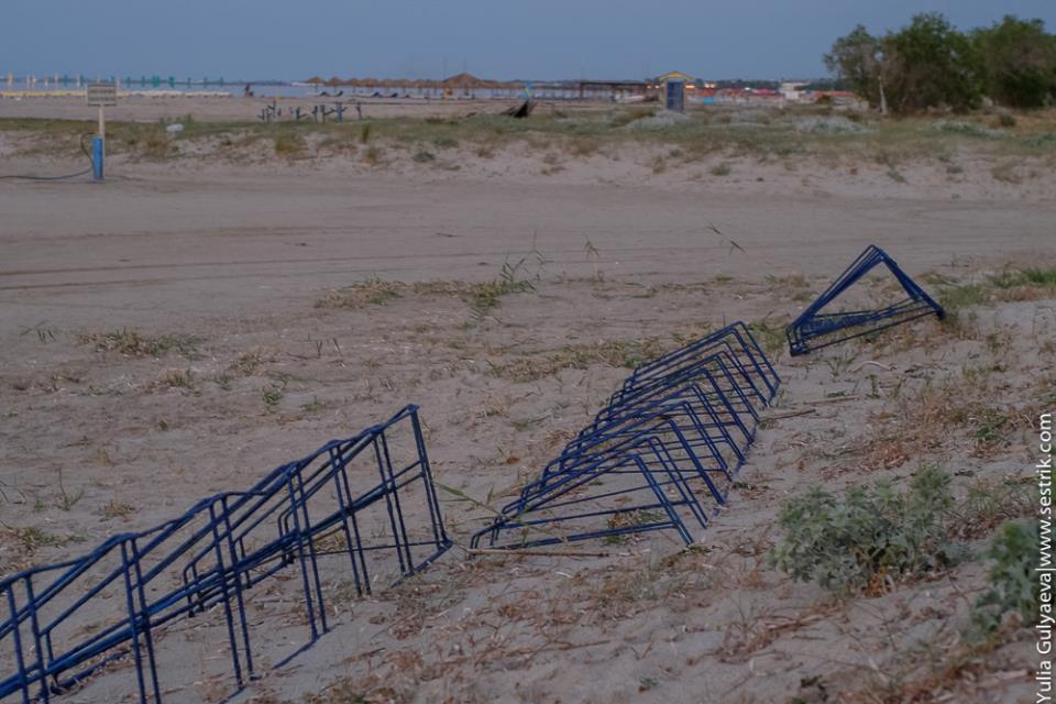 парковка для велосипедов на пляже