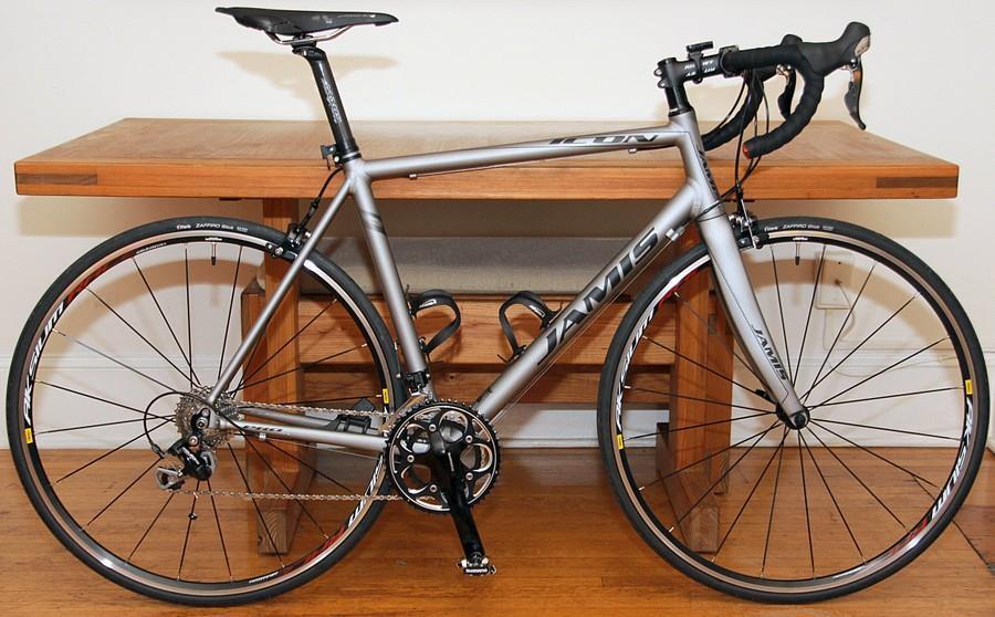 Велосипед Jamis Icon Pro в профиль