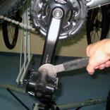 как открутить педали на велосипеде