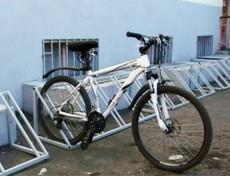 Парковка,_стойка_для_велосипеда