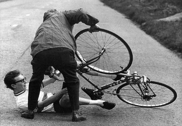 falling-off-bike