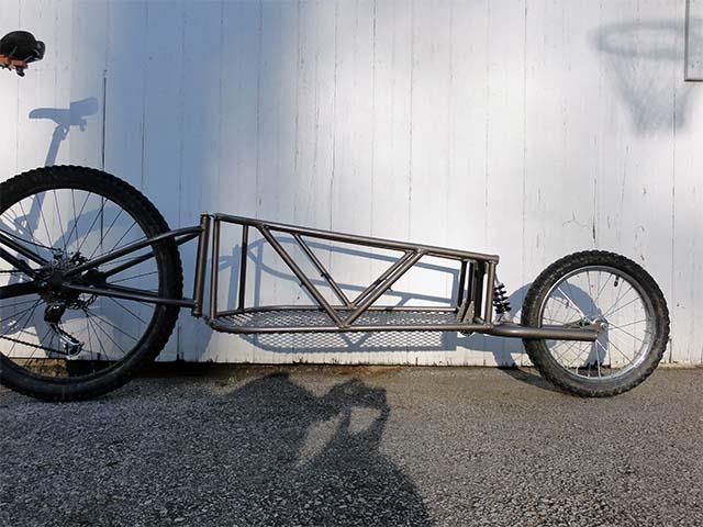 Взрослый велосипед с прицепом